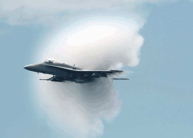 Sonic-Boom-Wikimedia-Commons-U.S.-Navy-photo-By-PHAN(AW)-Jonathan-D.-Chandler